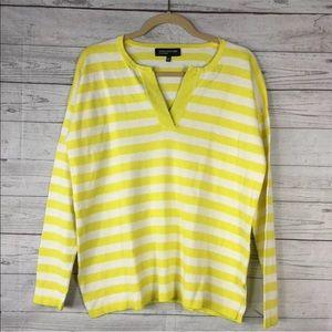 🌵Jones New York Vneck Yellow White Sweater Small
